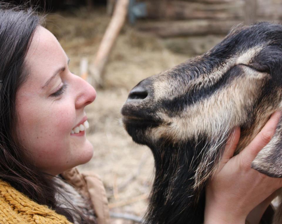 Abigail Geer fundadora del santuario de animales Mino Valley