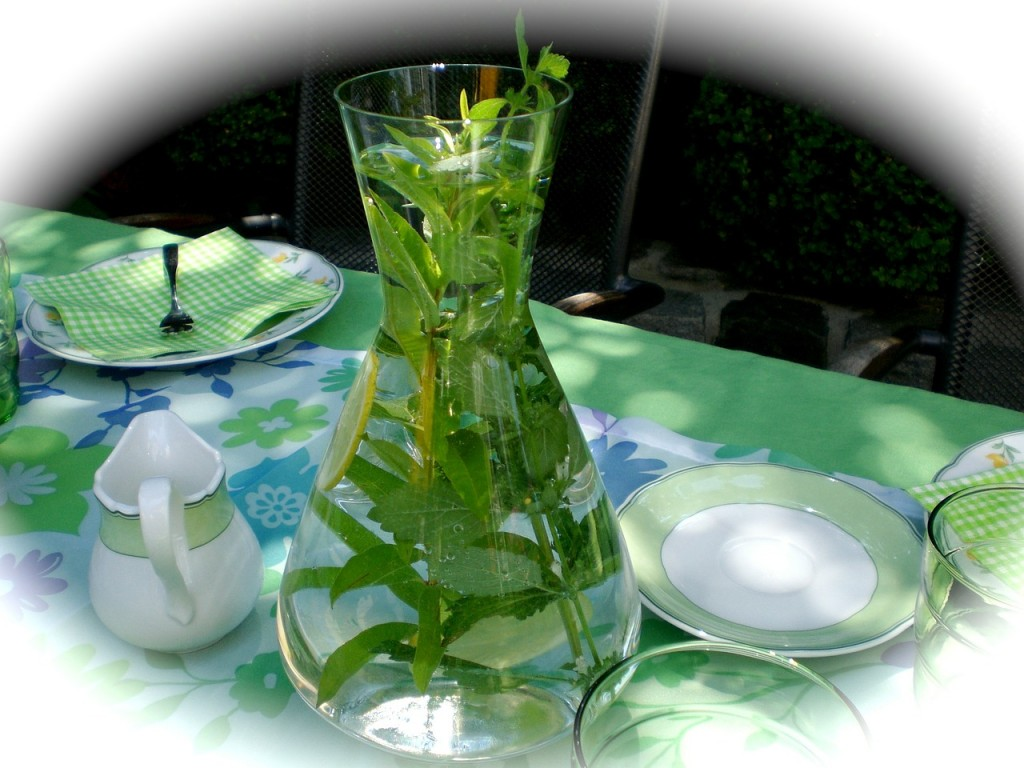 table-decoration-285612_1280